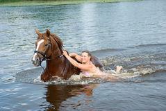 stallion-del-winth-di-nuoto-della-donna-fiume-10538290